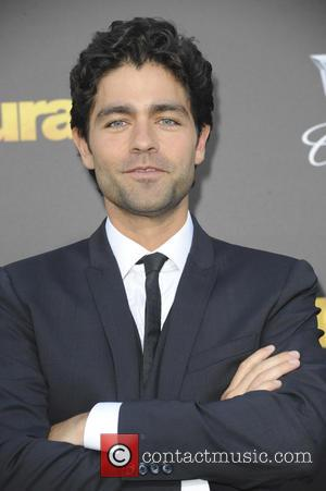 Adrian Grenier Accepts Paul Walker's Ocean Leadership Award From Actor's Daughter