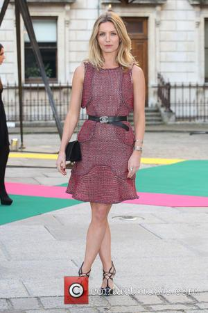 Annabelle Wallis - Royal Academy Summer Preview Party 2015 - Arrivals - London, United Kingdom - Wednesday 3rd June 2015