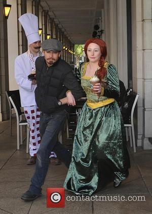 Princess Fiona - Starbucks Shrek photocall - Starbucks becomes a Pop-Up