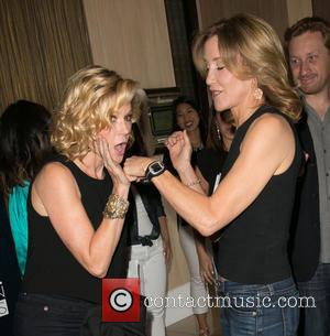 Julie Bowen and Felicity Huffman