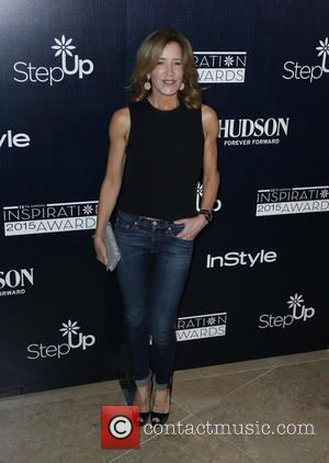 Felicity Huffman - Step Up Women's Network 12th Annual Inspiration Awards - Arrivals at The Beverly Hilton Hotel - Beverly...