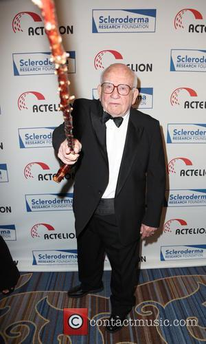 Ed Asner - 'Cool Comedy - Hot Cuisine' benefit at the Beverly Wilshire Four Seasons Hotel - Arrivals - Los...