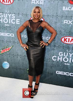 Mary J. Blige - Spike TV's Guys Choice 2015 at Sony Pictures Studios - Arrivals at Sony Studios - Los...