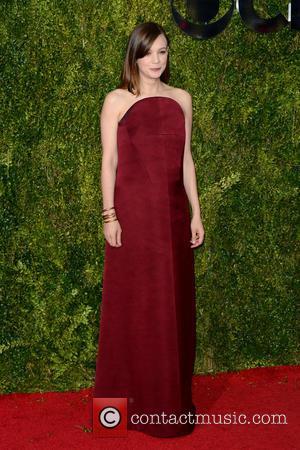 Carey Mulligan - 2015 Tony Awards - Red Carpet Arrivals at Tony Awards - New York City, New York, United...
