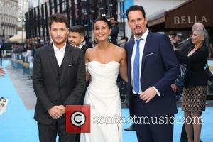 Emmanuelle Chriqui, Kevin Dillon and Kevin Connolly