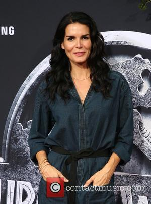 Angie Harmon - Premiere of Universal Pictures' 'Jurassic World' at Dolby Theatre - Arrivals at Dolby Theatre - Hollywood, California,...