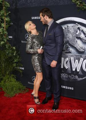 "Anna Faris Denies Chris Pratt Cheating Rumour, Calls It ""Weirdly Stinging"""