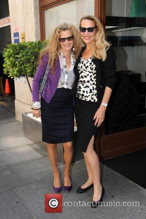 Jerry Hall - Jerry Hall pictured with a friend outside a London restaurant - London, United Kingdom - Thursday 11th...