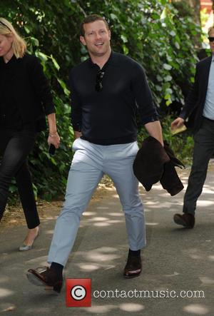 Dermot O'Leary - Burberry Prorsum fashion show London Collection Men Spring Summer 2016 - London, United Kingdom - Monday 15th...