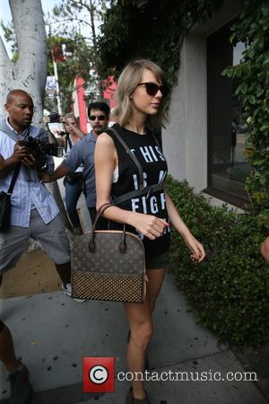Taylor Swift - Selena Gomez and Taylor swift head to Ago Restaurant in Los Angeles for lunch together at Argos...