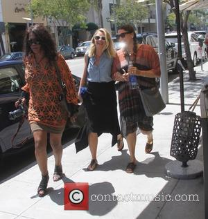 Rebecca Gayheart - Rebecca Gayheart has lunch in Beverly Hills with a friend - Los Angeles, California, United States -...