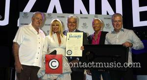 David Siegel, Suzanne Somers, Steve Sisolak, Alan Hamel and Mark Waltrip