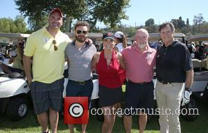 Brandon Molale, Danny Masterson, Paula Trickey, Jonathan Banks and Robert Hays