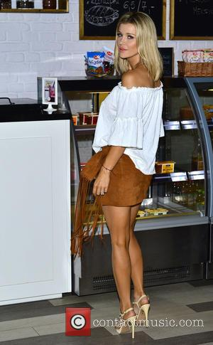 Joanna Krupa - Joanna Krupa leaving her apartment on her way to TVN television. - Warszawa, Poland - Sunday 21st...