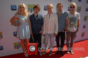 Rydel Lynch, Ellington Ratliff, Ross Lynch, Rocky Lynch and Riker Lynch
