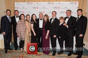 Michael Fox, Hugh Bonneville, Jim Carter, Joanne Froggatt, Rob James-collier, Phyllis Logan, Sophie Mcshera and Lesley Nicol