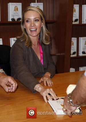Dana Perino - Former White House Press Secretary Dana Perino signs copies of her new book 'And the Good News...