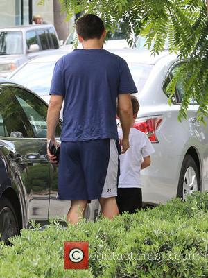 Tobey Maguire - Tobey Maguire takes his children out for lunch at Gracias Madre restaurant in West Hollywood - Los...
