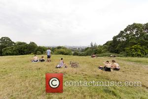 Atmosphere - People chilling in Hampstead Heath on the hottest day - London, United Kingdom - Wednesday 1st July 2015