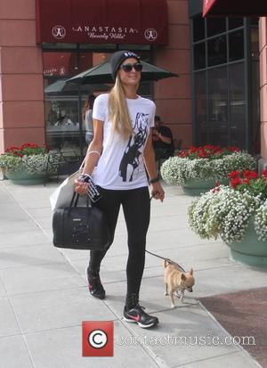 Paris Hilton - Paris Hilton leaves Anastasia with her toy dog Peter Pan - Los Angeles, California, United States -...
