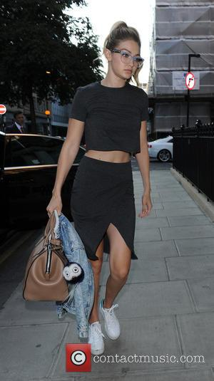 Gigi Hadid - Kendall Jenner and fellow supermodel Gigi Hadid arrive back at their hotel in off-duty model looks -...
