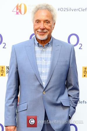Tom Jones' Wife Dies After 'Short But Fierce Battle With Cancer'