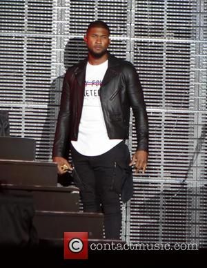 Usher - Usher performs at the 2015 Essence Music Festival at Mercedes-Benz Superdome - New Orleans, Louisiana, United States -...