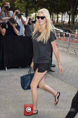 Lara Stone - Paris Haute Couture Fashion Week - Chanel - Arrivals - Paris, France - Tuesday 7th July 2015