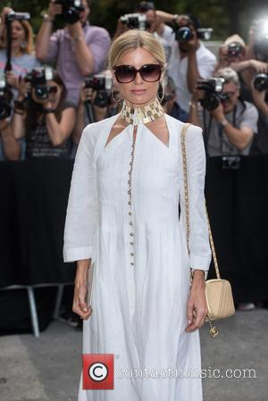 Laura Bailey - Paris Haute Couture Fashion Week - Chanel - Arrivals - Paris, France - Tuesday 7th July 2015