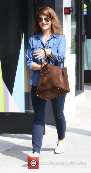Nia Vardalos - ?My Big Fat Greek Wedding actress, Nia Vardalos out shopping at Sandro in Beverly Hills - Los...