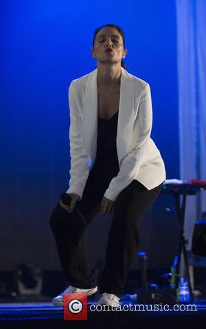 Jessie Ware - Jessie ware appears on King Tuts was way tent at t in the park at King Tuts...
