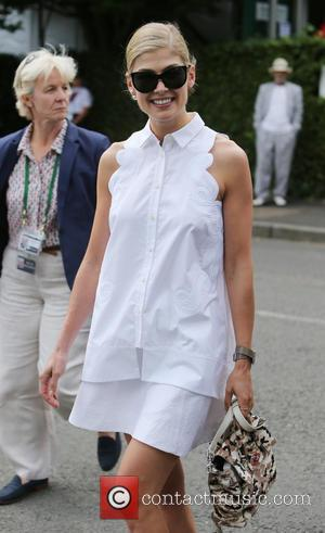 Rosamund Pike - Wimbledon Tennis Championships 2015 - Celebrity Sightings - London, United Kingdom - Saturday 11th July 2015