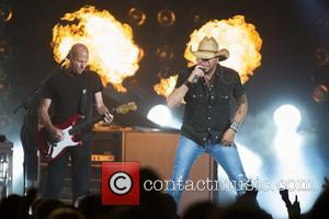 Jason Aldean - Jason Aldean performing live at the Scotiabank Saddledome - Calgary, Canada - Sunday 12th July 2015