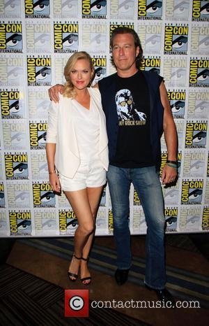 Elaine Hendrix and John Corbett