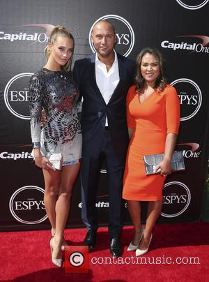 Derek Jeter and Hannah Davis - The 2015 ESPY Awards held at The Microsoft Theatre - Red Carpet Arrivals at...