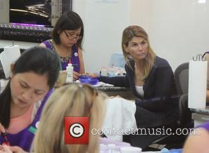 Lori Loughlin - 'Full House' star Lori Loughlin getting her nails done in Beverly Hills - Beverly Hills, California, United...