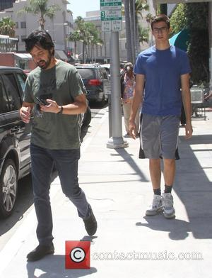 Ray Romano - Ray Romano out shopping with his son in Beverly Hills - Hollywood, California, United States - Friday...