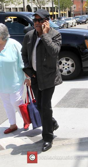 Berry Gordy - Motown founder Gordy talking on his cell phone as he goes shopping in Beverly Hills - Los...