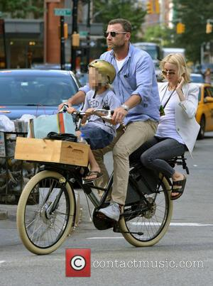 Liev Schreiber, Naomi Watts and Samuel Kai Schreiber - Bicycle made for three as Naomi Watts takes a back seat...