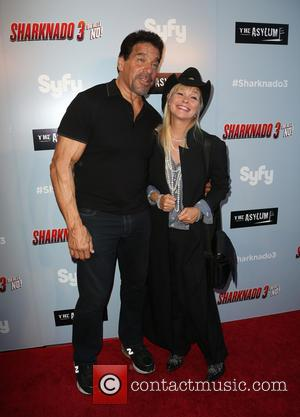 Lou Ferrigno and Julie Mccullough