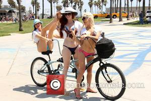 Alicia Arden, Frenchy Morgan and Phoebe Price - Phoebe Price, Angelique Frenchy Morgan and Alicia Arden have fun on Venice...