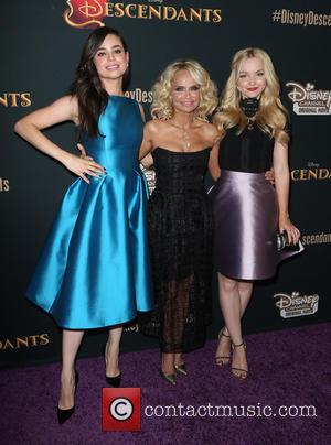 Sophie Reynolds, Kristin Chenoweth and Dove Cameron
