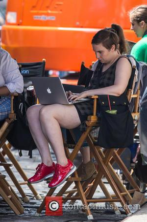 Lena Dunham - Lena Dunham on the set of her TV show 'Girls' at Soho - New Yor City, New...