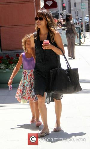 Halle Berry and Nahla Ariela Aubry - Halle Berry takes her daughter Nahla shopping in Beverly Hills - Hollywood, California,...