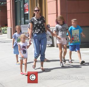 Rhea Durham - Rhea Durham takes her children shopping in Beverly Hills - Los Angeles, California, United States - Thursday...