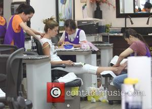 Rhea Durham - Rhea Durham treats herself to a pampering session at a nail salon in Beverly Hills - Los...