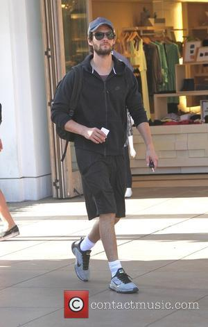 Ben Barnes - Ben Barnes goes shopping at the Grove in Hollywood - Los Angeles, California, United States - Monday...