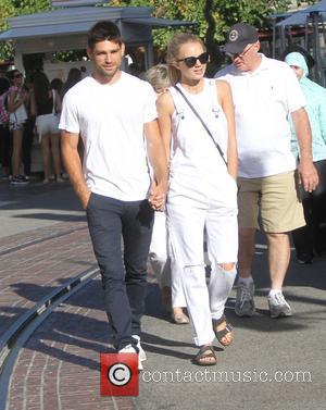 Melissa Ordway - Melissa Ordway with her boyfriend goes shopping at the Grove in Hollywood - Los Angeles, California, United...
