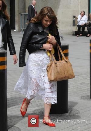 Gabrielle Aplin - Gabrielle Aplin seen out and about in London - London, United Kingdom - Tuesday 4th August 2015