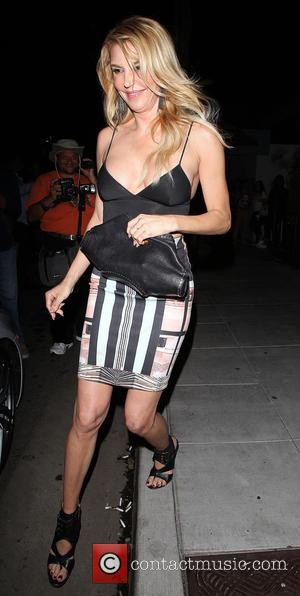 Brandi Glanville - Brandi Glanville leaves Palm restaurant in Beverly Hills with a few of her friends - Los Angeles,...